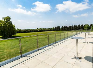 Enjoy your event with a beautiful view over the Willows gardens